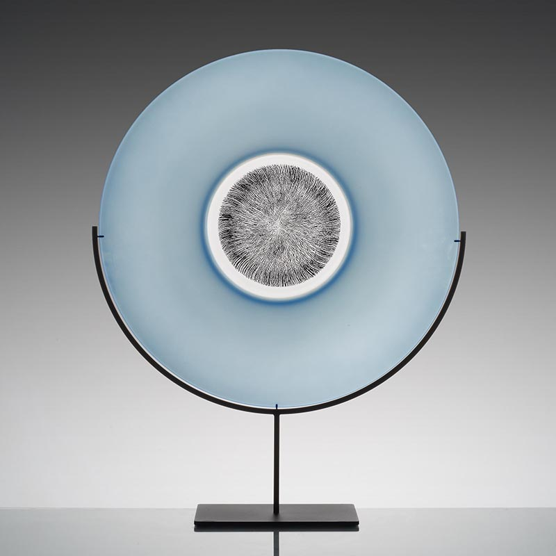 Platter on stand, blue